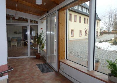 Eingangsbereich im Altenpflegeheim Schweikershain